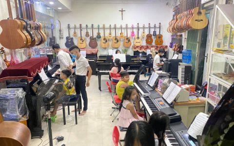 Cửa hàng nhạc cụ Ngọc Hưng Phát có gì ?
